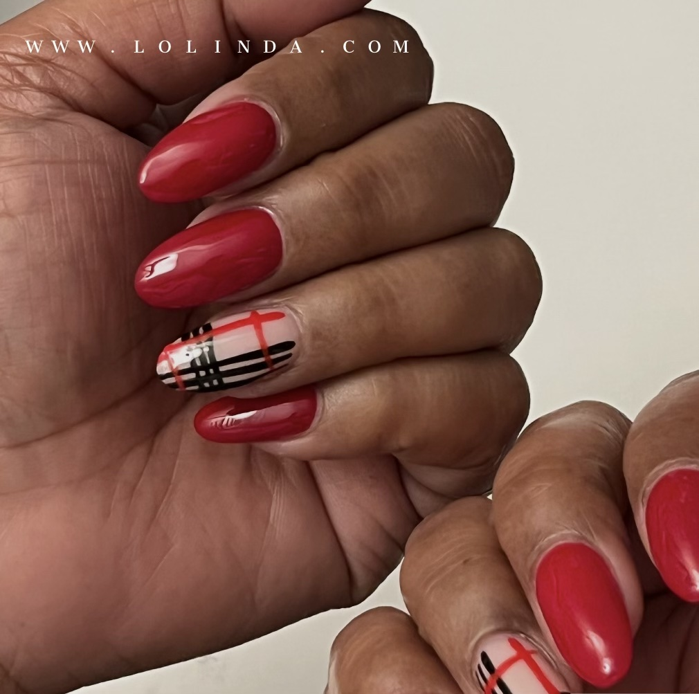 Transitional Colors: Burberry Nails